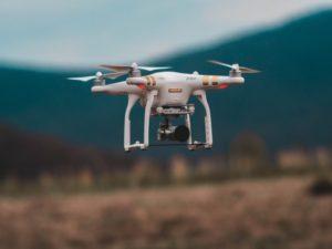 L'industrie du futur: La technologie des drones ouvre de nouvelles voies pour la maintenance, la gestion de la chaîne d'approvisionnements et l'application d'imagerie